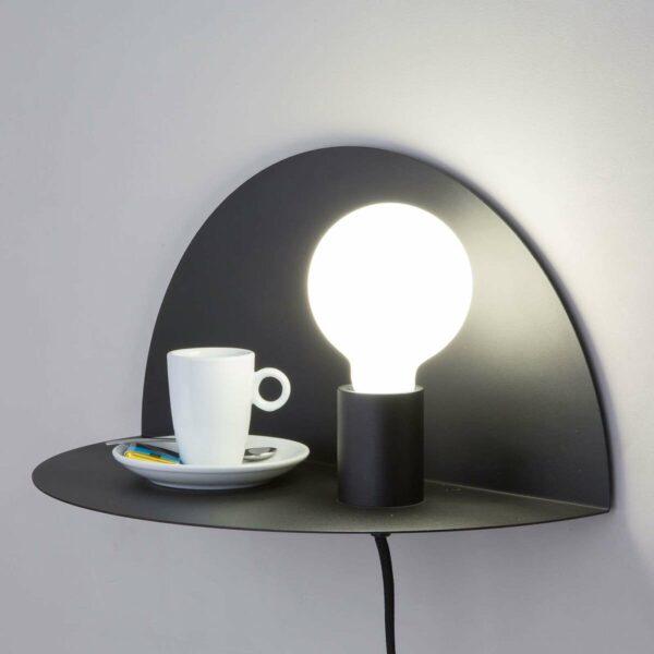 Nit-seinävalaisin – voidaan käyttää myös yöpöytänä
