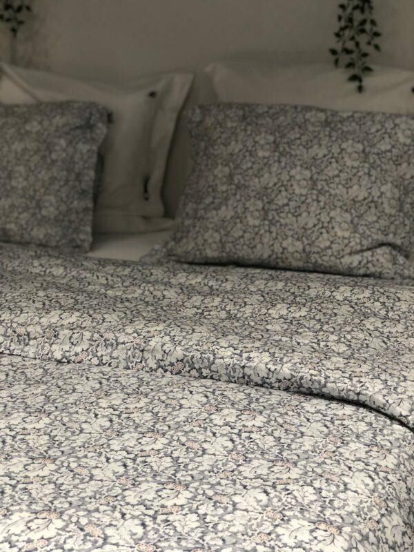 Lexingtonin petaus, satiinipussilakana sekä -tyynyliinat