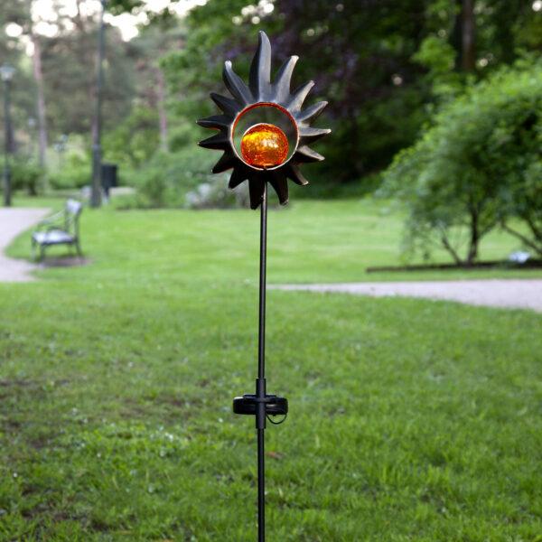 Aurinkokäyttöinen Melilla-LED-valaisin