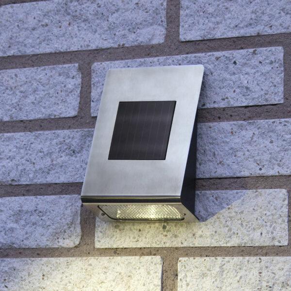 Aurinkokäyttöinen Wally-LED-ulkoseinälamppu