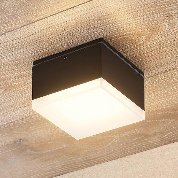 Lindby Mathea -LED-ulkokattolamppu, kulmikas