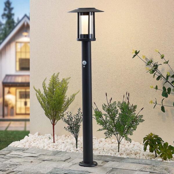 Lindby Volki, aurinkokäyttöinen LED-pylväsvalaisin