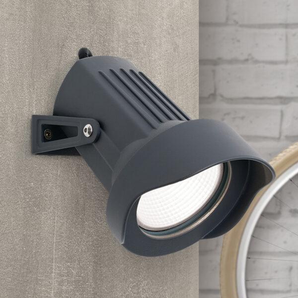 Spike-LED-kohdevalaisin ulos, maapiikillä